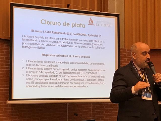 Otra interesante charla corrió a cargo de un laboratorio Zaragozano, ENOSAN, donde nos presentarón el trabaó desarrollado para la aplicación de la plata en el vino.